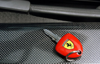 car-key-ferrari.jpg